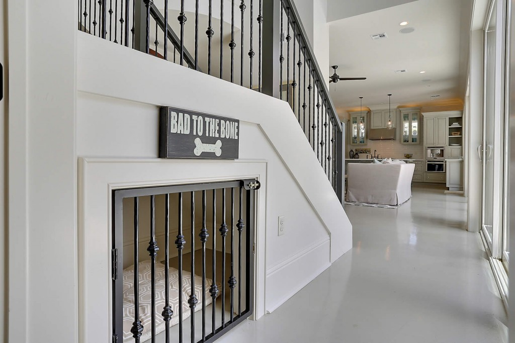 dog-house-under-stairs-1