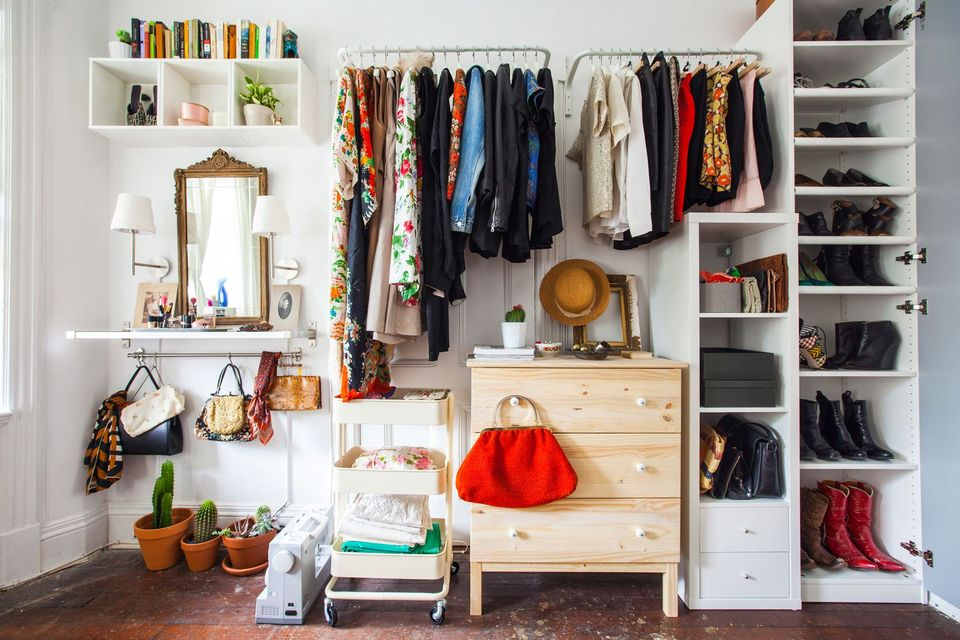 closet wall for small bedroom (1)