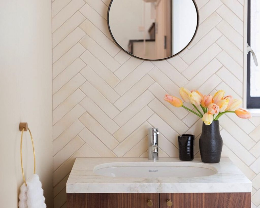 Ways to make a small bathroom look bigger popsugar home for Draw your bathroom