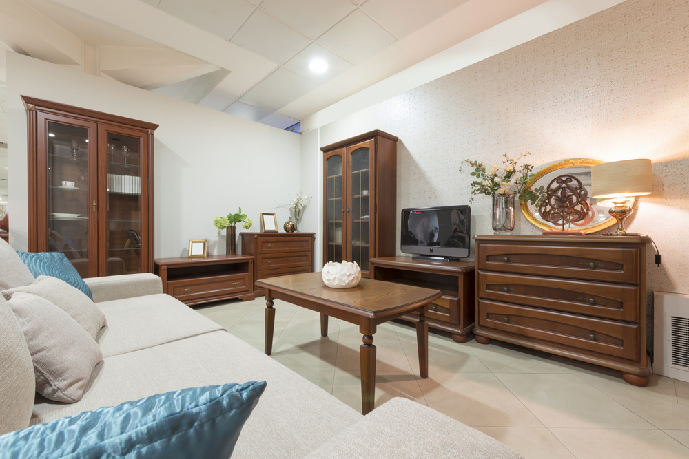 However  wooden furniture has its own set of issues as well  If not handled  with care  wooden furniture are bound to get scratches over it eventually. How to Remove Scratches from Wooden Furniture   Homebliss