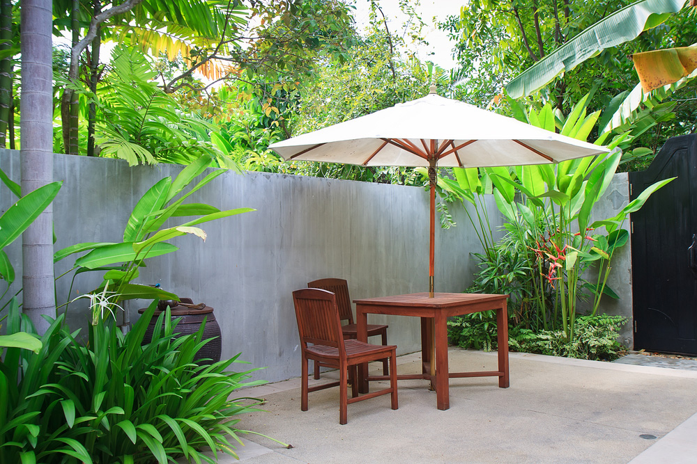 QuickChicStylish 8 Ways To Spruce Up Your Outdoor