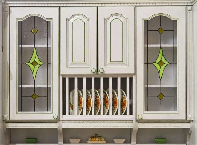 Beautiful ways to use stained glass in home decor