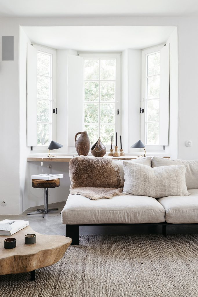 Belgian Style Decor with Nature-Inspired Accessories