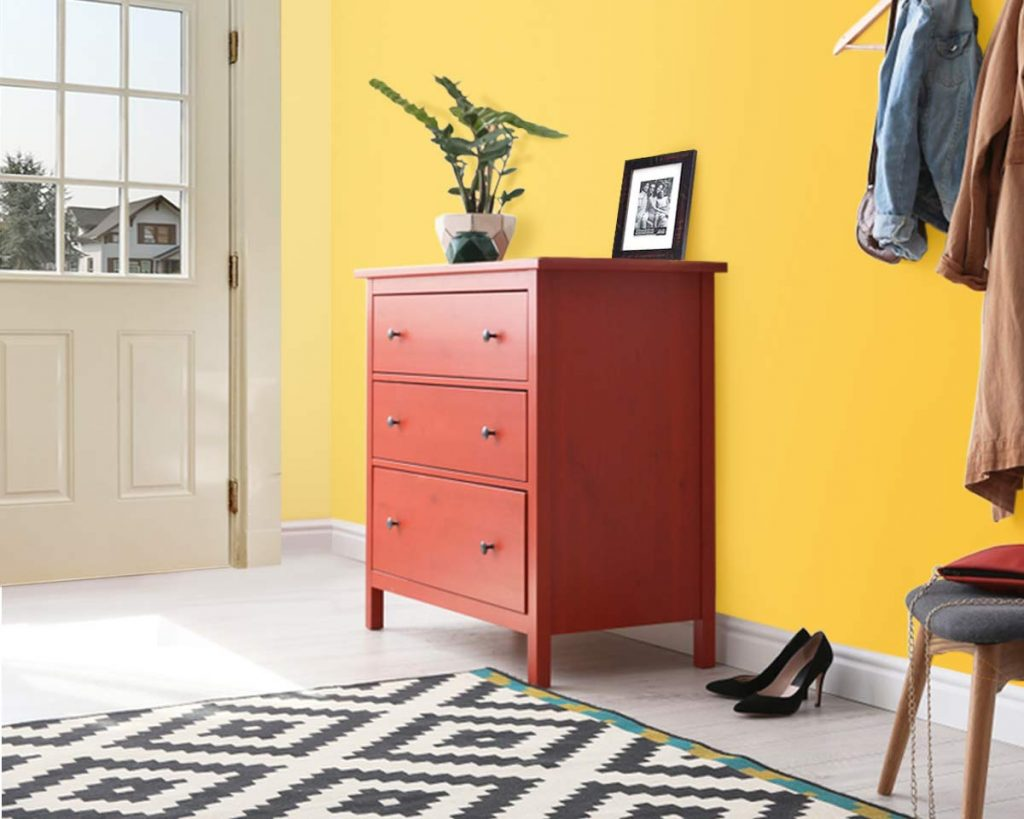 Decorate Your Entryway To Create A Lasting Impression - Add a console table