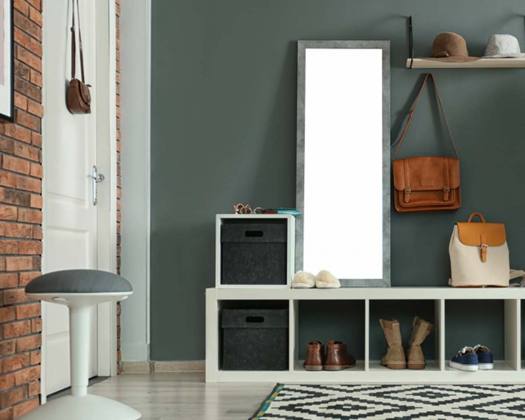 Decorate Your Entryway To Create A Lasting Impression - Add a mirror