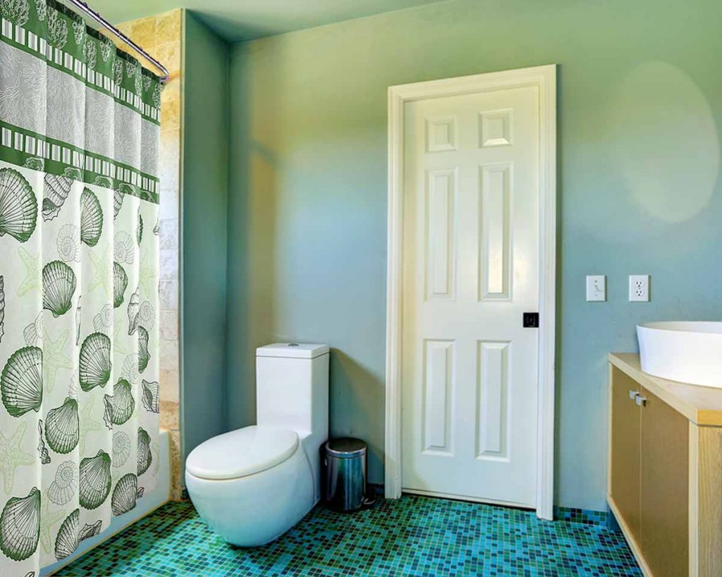 Feng Shui For Beginners: 9 Tips To Harmonize Your Home - Put down the toilet seat